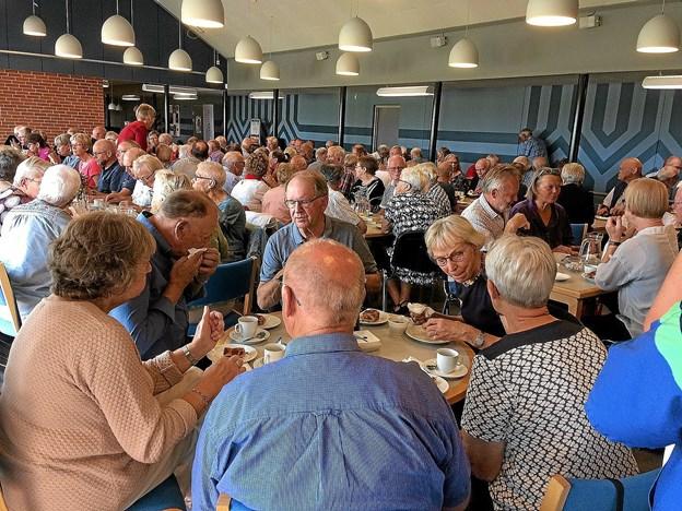 Der blev også hyggesnakket under kaffen i pausen. Foto: Hans B. Henriksen