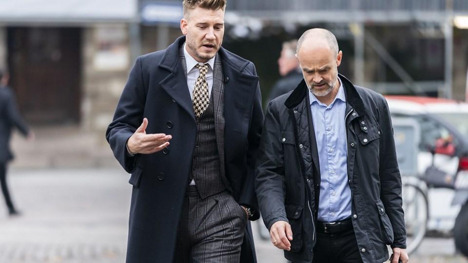 Nicklas Bendtner blev straffet med 50 dages ubetinget fængsel for vold mod en taxichauffør. Chaufføren er efterfølgende blevet fyret.