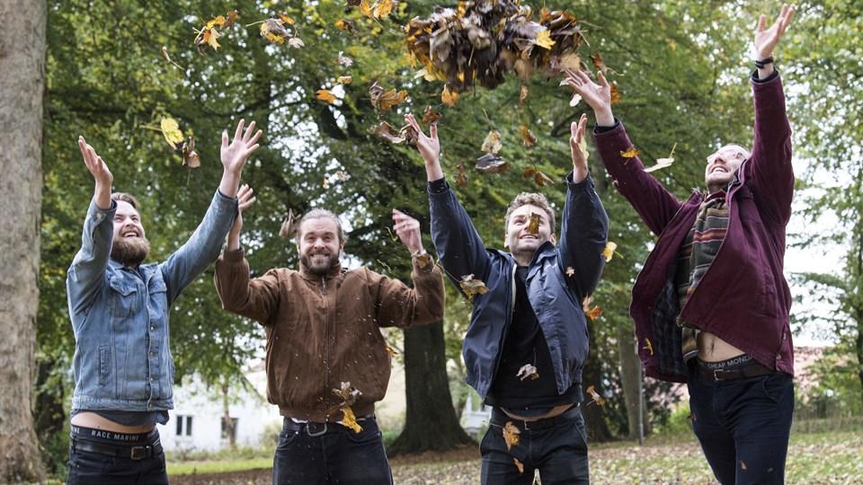 Alive Festival kan næste år holde 10 års jubilæum. Initiativtager og formand for festivalen, Mads Dahl (nr. 2 fra venstre) er indstillet til den NORDJYSKE Kulturpris 2017 for sin indsats i festivalen. Vinder han, går præmien på 100.000 kr. til festivalen. Foto: Peter Mørk