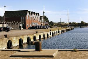 Plan om boliger ved nordjysk havn: Kommune sætter unik fjordgrund til salg