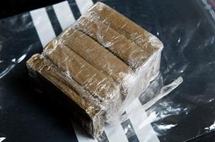 Rocker varetægtsfængslet: Stoppet med kilovis af hash i bilen