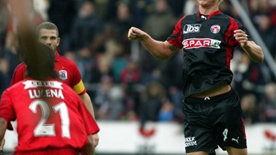 Simon Kjær, her i aktion for sin tidligere klub FC Midtjylland, har imponeret landstræner Morten Olsen.  Foto: Scanpix