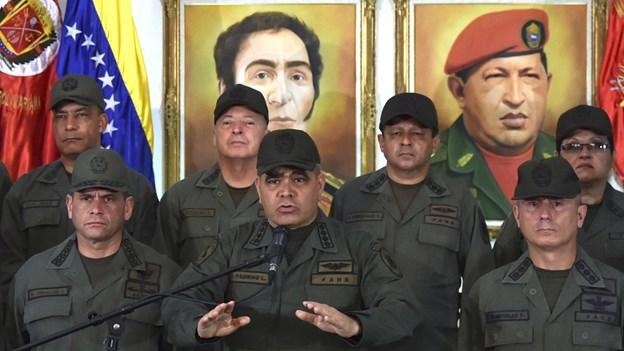 Militæret i Venezuela giver ubetinget støtte til Maduro