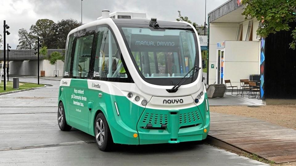 Den førerløse bus, der skal køre på Astrupstien har været på sin jomfrutur, men den må stadig ikke køre med passagerer.   Foto: Aalborg Kommune
