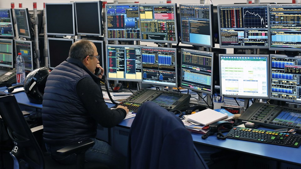 Det danske aktiemarked rettede sig en del i løbet af dagen efter drastiske fald fra morgenstunden. Foto: Scanpix/Thibault Camus