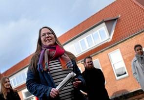 Ung kvinde i front for Vester Thorup Højskole