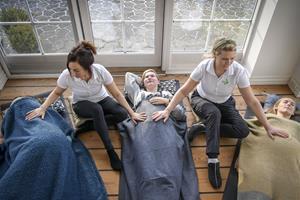 Joan forkæler gravide kvinder: Massage, velvære og hypnose i fokus