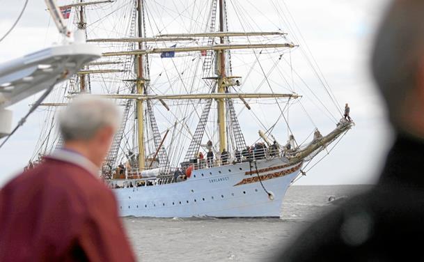 Sejlskibsparade ved Hals