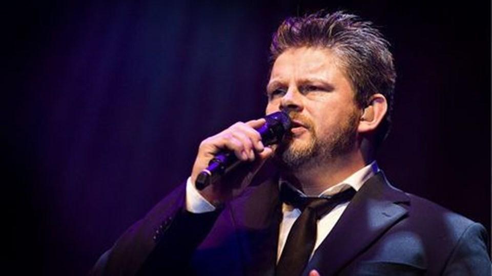 Stig rossen synger julen ind i Aalborg Kongres & Kultur Center. Arkivfoto