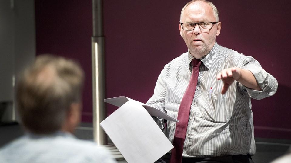 Borgmester Henning G. Jensen (S) er ikke begejstret for Skats formåen, når det gælder inddrivelser af borgernes gæld til kommunen. Og nu tager kommunen selv affære. Foto: Torben Hansen