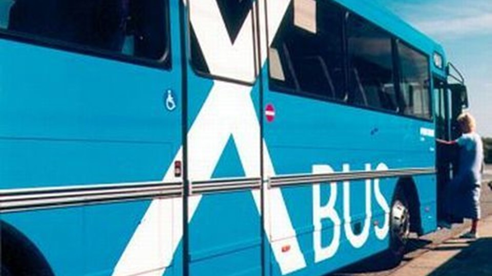 flere blå busser kommer der i fremtiden på hovedvej 11 gennem Jammerbugt Kommune. Efter planen skal de dog stadig kun have stoppested i Brovst og Fjerritslev, så borgere i Aabybro og Pandrup får ingen glæde af opgraderingen. Arkivfoto
