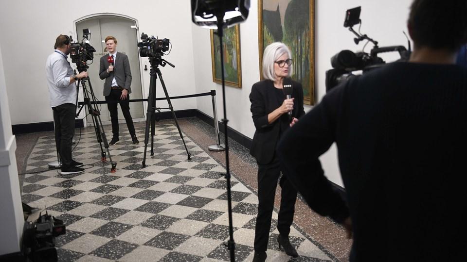 Pressen er ved at møde ind til de måske afsluttende finanslovsforhandlinger mellem regeringen og Dansk Folkeparti.