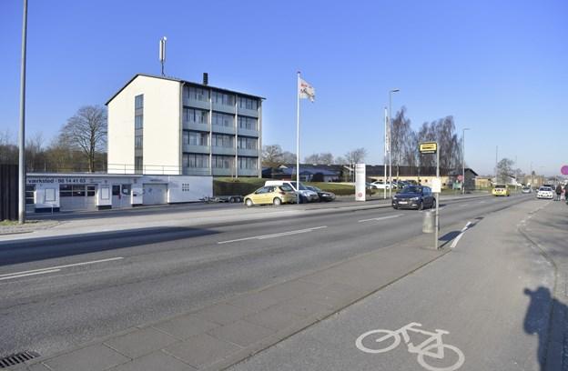 Indkøbscenter skyder op i Vejgaard: Seks meter støjhegn skal skåne nabo mod larm