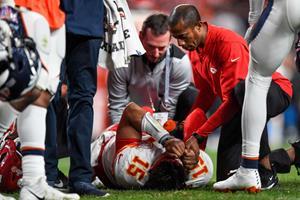 NFL-fænomenet Mahomes udgår med knæskade