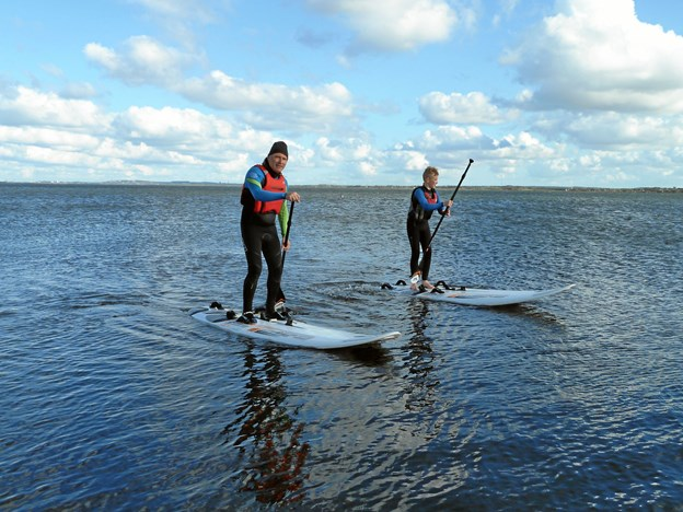 Ifølge Gjøl Sejlklub kan et nyt stand up paddle-tilbud trække både flere ældre, unge og kvinder til sejlklubben. Privatfoto