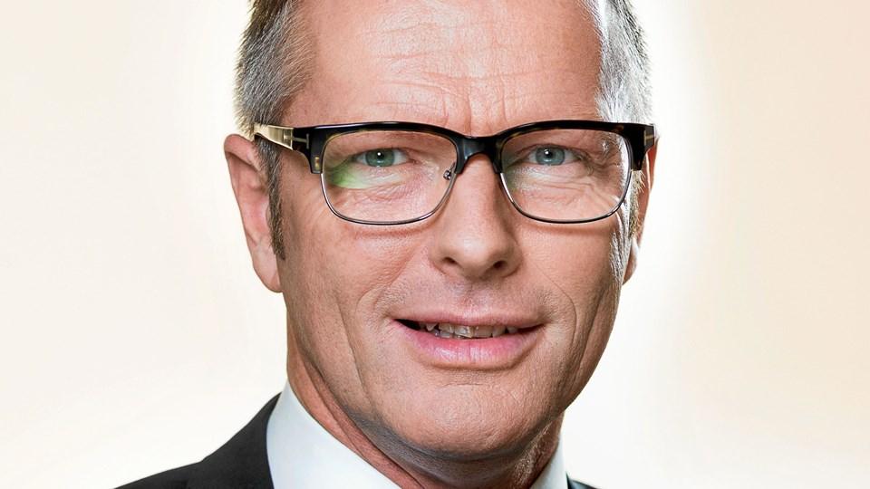 Flemming Møller Mortensen fortæller i Manegen i Sæby. Arkivfoto.