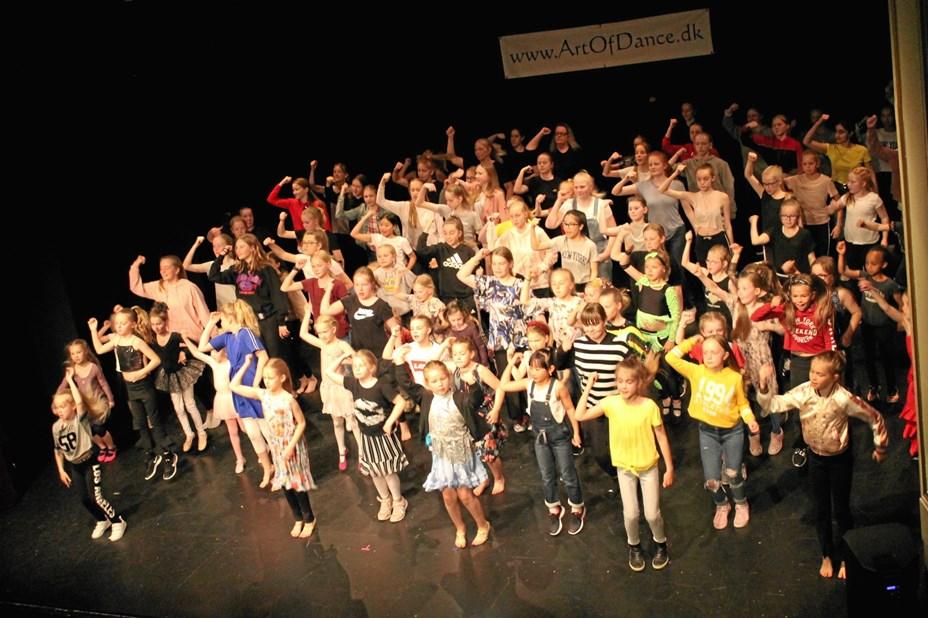 Afslutningsshow hos Art Of Dance