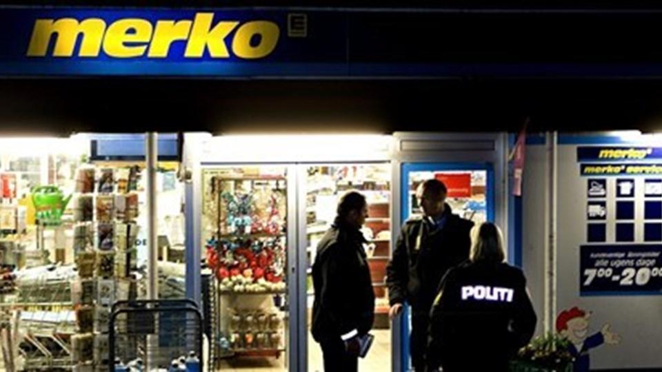 Fredag aften røvede en 17-årig dreng en Merko butik på Skansevejen 42 i Nørresundby. Foto: Claus Søndberg