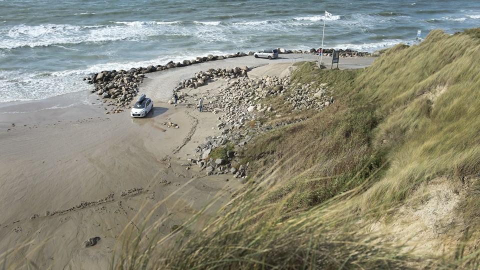 Nr. Lyngby Strand er ramt af et højt bakterietal.  Foto: Hans Ravn
