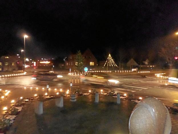 Det var et flot syn med de mange levende lys i forbindelse med lysfesten sidste år i Gistrup. Foto: Kjeld Mølbæk