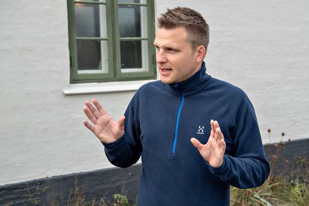 Naturvejleder og ?leder af Skagen Fuglestation Simon S. Christiansen ?oplyser, at alle kan ansøge om at ?arbejde som frivil-?lige blandt andet med ringmærkning og obervation af trækfugle og andre typer fugle.