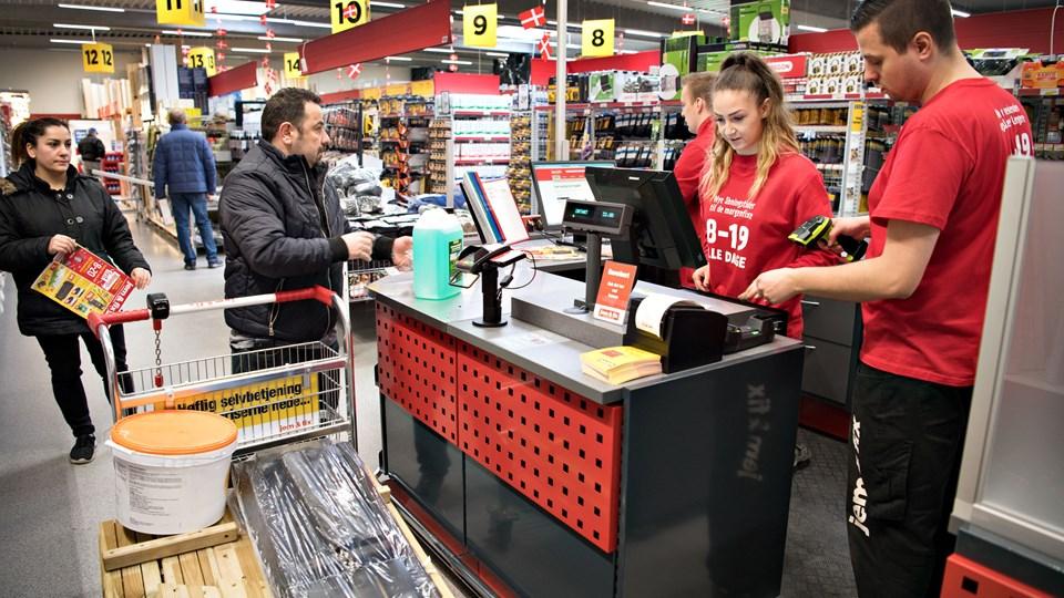 Der var travlhed i butikken fra første minut. Foto: Hans Ravn
