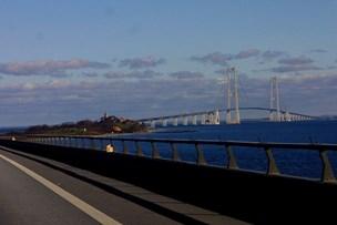 Spildt minkfoder lukkede Storebæltsbroen natten til søndag