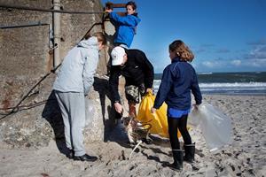 Ny bæredygtighed i bølgen: Plastfyldte strande skal være fortid