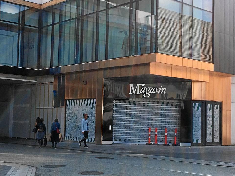 Magasin sender i denne uge den verdenskendte modefotograf Victor Jones på gaden i Aalborg for at spotte de bedst klædte piger, drenge, kvinder og mænd. Én person af hvert køn vinder titlen og et gavekort på 10.000 kr. til Magasin i forbindelse med deres åbningsfest.
