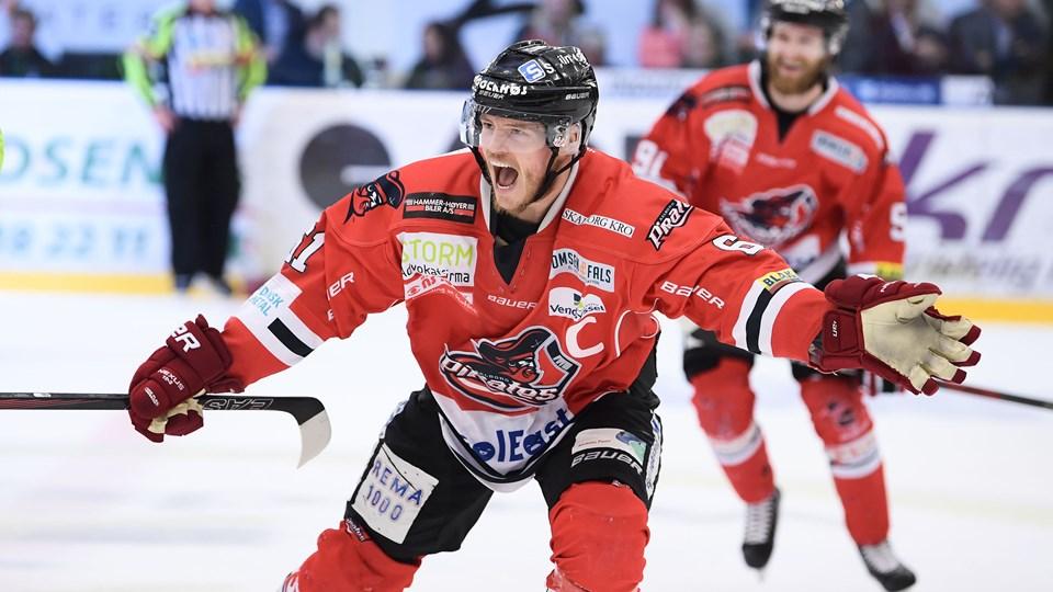 Aalborg Pirates-kaptajn Julian Jakobsen forventer at være klar til slutspillet, hvor piraterne skal forsøge at forsvare sidste sæsons mesterskab. Arkivfoto: Claus Søndberg
