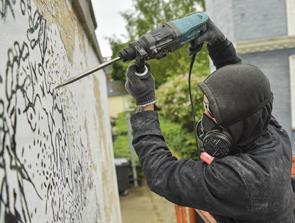 Derfor er der borelarm i Danmarksgade: Gigantnavn laver særligt kunstværk