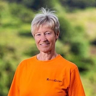 Marie-Louise Maarup fra Rebild Guidelaug fører an i forbindelse med to naturvandringer i Rebild Bakker 18. august og 16. september. Privatfoto