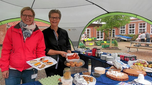 Nina Peilicke og Lone Dyrby præsenterede nyudviklede retter til hospitalskost. Foto: Kirsten Olsen