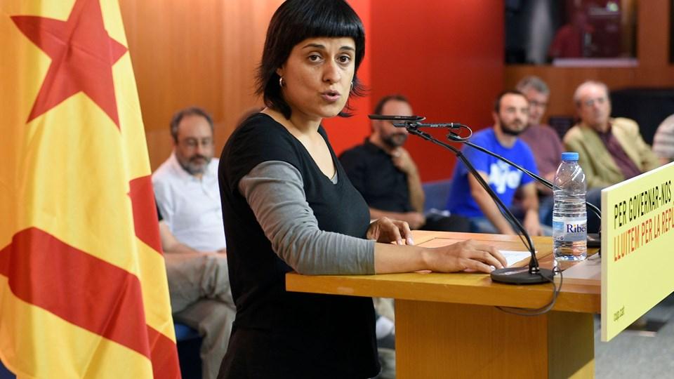 Højesteret i Spanien har onsdag beordret det tidligere parlamentsmedlem i Catalonien Anna Gabriel, som opholder sig i Schweiz for at undgå fængsling, anholdt, da hun ikke mødte op i retten onsdag. Arrestordren gælder kun nationalt. Foto: Scanpix/Lluis Gene