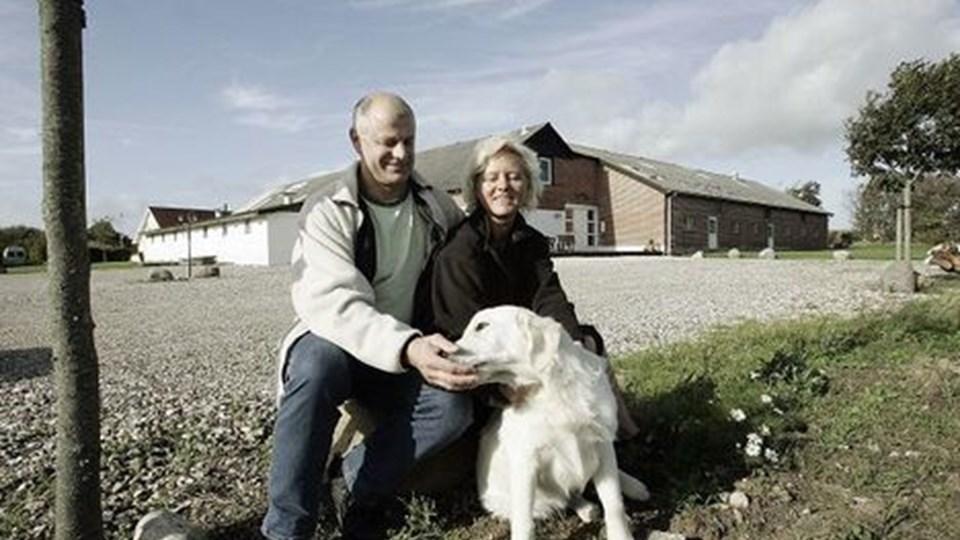 Kristian og Inge Haldrup er spændte på, om de får lov at gennemføre de store planer, de har med gårdens fremtid. foto: michael bygballe